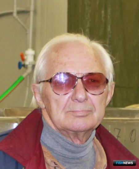 Главный специалист – советник ТИНРО-Центра Валерий АКУЛИН