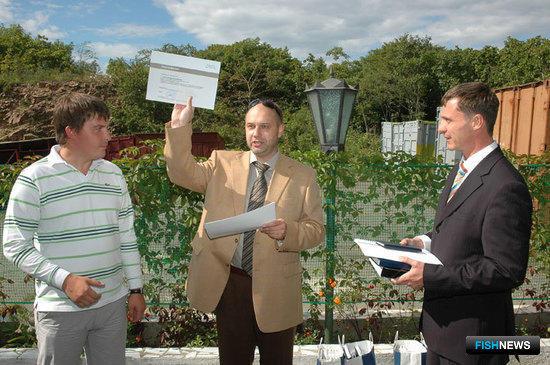 Вручение сертификатов компании «Альфа Лаваль» сервисным инженерам ООО «Дальневосточная компания «ПРБ».