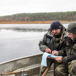 Рыбоохранный рейд на реке Варзуга. Фото Валерия Иркашева, WWF России