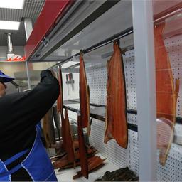 Разница в цене рыбы в специализированных торговых точках по сравнению с розничными рынками Петропавловска-Камчатского составляет от 10% до 50%. Фото пресс-службы правительства Камчатского края