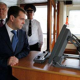 Президент Дмитрий МЕДВЕДЕВ на главном командном посту корабля «Командор»