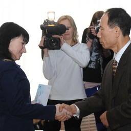 Подписание соглашения между корпорацией Korea Trading & Industries Co., Ltd и Владморрыбколледжем об учреждении стипендии для учащихся ВМРК. Владивосток, январь 2011 г.