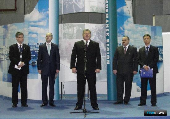 Губернатор Мурманской области Дмитрий ДМИТРИЕНКО на открытии выставки