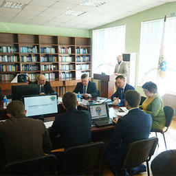 Встреча, состоявшаяся в столице Приморья 10 марта, была посвящена проекту Стратегии развития морских терминалов для комплексного обслуживания судов рыбопромыслового флота