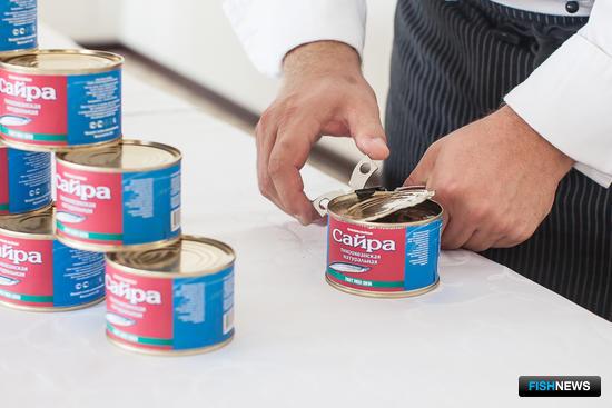 29 сентября прошла первая дегустация консервов. Фото пресс-службы ООО «Курильский универсальный комплекс»