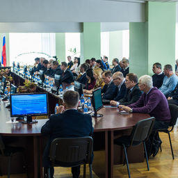 Рабочее совещание по плану мероприятий для развития промысла японской скумбрии и дальневосточной сардины (иваси) во Владивостоке. Фото пресс-службы Дальрыбвтуза
