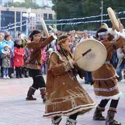 Несколько тысяч человек приняли участие в природоохранном фестивале «Море жизни», который прошел в центре Петропавловска-Камчатского. Фото пресс-службы правительства края