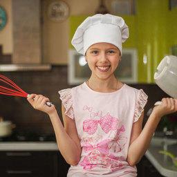 Школьница Алисия готовит вкусные, простые (а иногда и не очень), но всегда полезные блюда из российской рыбы и морепродуктов.