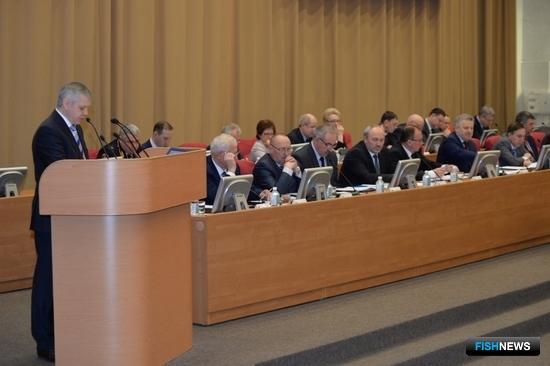 На расширенном заседании правительства Хабаровского края обсудили перспективы развития рыбохозяйственного комплекса. Фото Валерия Спидлена