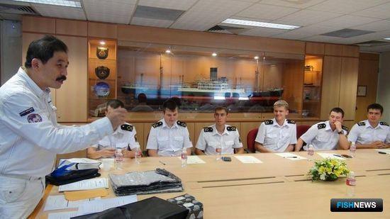 Курсантов Дальрыбвтуза курировал эксперт в области морского права. Фото пресс-службы Дальрыбвтуза.