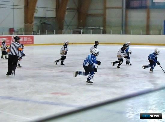 Матч между командами «Полюс» и «Гранит»