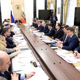 Президент Владимир ПУТИН на совещании с членами Правительства. Фото пресс-службы Кремля