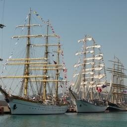 Четыре дня барк «Седов» провел в Сочи вместе с другими участниками регаты. Фото Александра Кучерука.