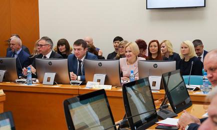 Заседание Сахалинской областной думы. Фото пресс-центра регионального парламента