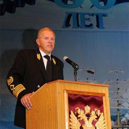 Руководитель Росрыболовства Андрей КРАЙНИЙ поздравляет с 80-летием Дальрыбвтуз