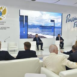 Встреча проходила в формате делового завтрака в павильоне «Русский рыбный дом». Фото пресс-службы ФАР
