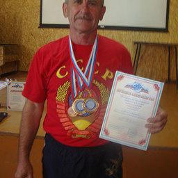 Боцман ПБТФ Сергей ШНЕЙДЕР удостоен сразу трех наград спартакиады, среди которых медаль признательности как самому старшему участнику соревнований