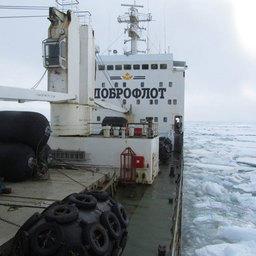 Караван во главе с атомным ледоколом «Ямал» продолжает движение по Восточно-Сибирскому морю
