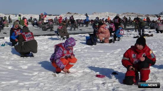 Рыбацкие соревнования «Сахалинский лед» традиционно прошли на реке Найба в Долинском районе. Фото пресс-службы администрации Сахалинской области