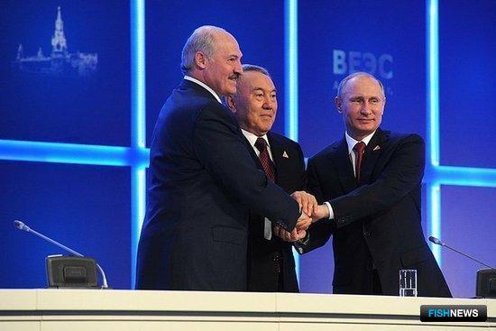29 мая 2014 г. в Астане главы Беларуси, Казахстана и России подписали Договор о Евразийском экономическом союзе. Фото пресс-службы Президента РФ