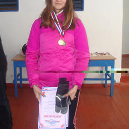 Валентина КАНДАУРОВА (Дальрыбвтуз) завоевала сразу две медали: бронзу за командное и золото – за личное первенство