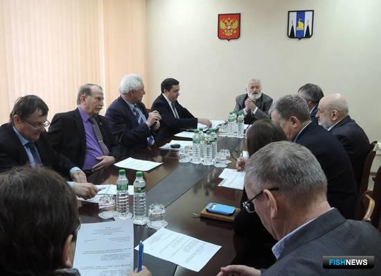 Ведущие ученые Сахалинской области отобрали лучшие исследовательские проекты для получения субсидий. Фото пресс-службы правительства региона