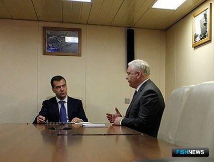 Президент Дмитрий МЕДВЕДЕВ и руководитель Пограничной службы ФСБ Владимир ПРОНИЧЕВ