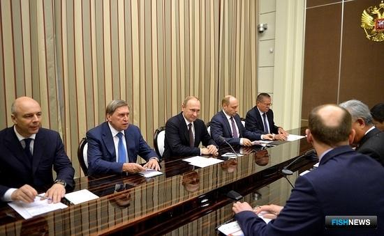 В Сочи состоялась встреча президента РФ Владимира Путина с главой АБИИ Цзинь Лицюнем. Фото пресс-службы Кремля