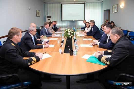 Министр сельского хозяйства Александр ТКАЧЕВ провел в Сахалинской области совещание. Фото пресс-службы правительства региона