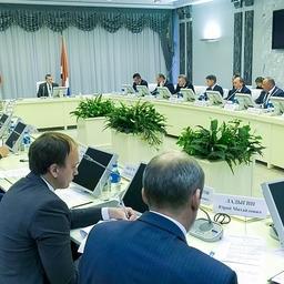 Вице-премьер – полномочный представитель президента на Дальнем Востоке Юрий ТРУТНЕВ провел совещание по вопросам рыбной отрасли. Фото пресс-службы полпреда.