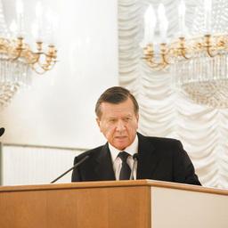 Первый вице-премьер Виктор ЗУБКОВ
