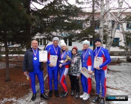 Первое общекомандное место на «Рыбацкой лыжне» заняла сборная Преображенской базы тралового флота. Фото Андрея Солдатова