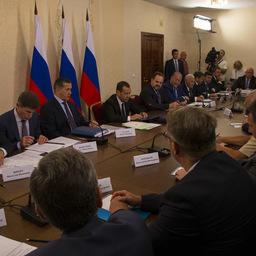 Встреча премьер-министра Дмитрия Медведева с представителями рыбохозяйственного комплекса, Сахалин. Фото пресс-службы правительства Камчатского края