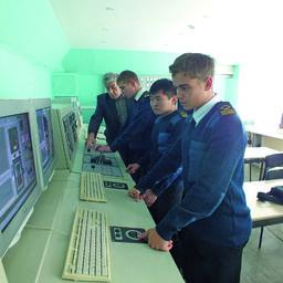 На оборудовании проходят подготовку и переподготовку, которая требуется в соответствии с Международной конвенцией о дипломировании моряков – они обязаны получить соответствующий сертификат